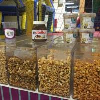 Pipocas com sabores de leite ninho, churros, ovimaltine e muitos outros sabores