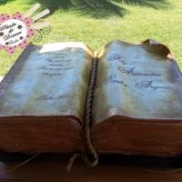 Bolo Livro Antigo