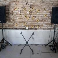 Sonorização para dj em evento social.