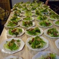 Serviço à Inglesa. Entrada salada Mix de Folhas com Pêras ao vinho do Porto.