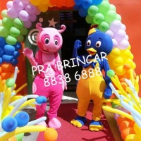 UNIQUA E PABLO BACKYARDIGANS