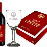 Kit: vinho,taça e caixa personalizada!