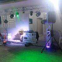 Dj com Sonorização, Iluminação e Telão para festas e eventos.