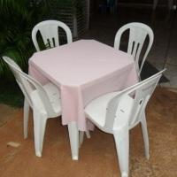mesa quad.c/toalha rosa