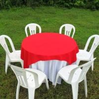 mesa red.c/toalha branca e verm