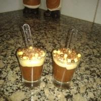 Brigadeiro gourmet no copinho com crispearl