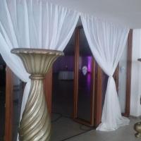 cortina  de voil 25,00 por metro c aplicação