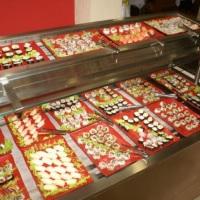 variedade de sushis