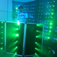 cortina de led e cabine DJ