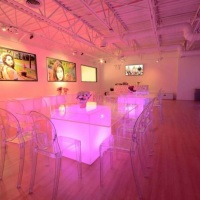 Mesa de vidro e base de LED
