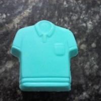 Sabonete em formato de camisa. Nas cores e fragrâncias a suas escolha. https://www.elo7.com.br/afro