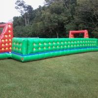 futebol de sabão 6 x12  ideal para retiros , reuniões , festa acompanha bola futebol motor 110 volts