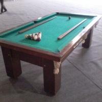 mesa de sinuca estilo bar acompanha jogo de bolas 4 tacos