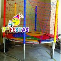 Cama elástica pequena de 2,00 x 2,00 metros. Sétima Festas e Eventos.