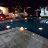 decoração da piscina com velas