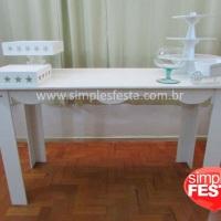 Mesa provençal com bandejas