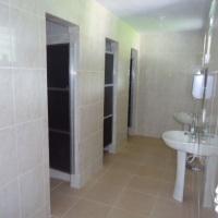 3 Banheiros femininos (com chuveiros individuais)