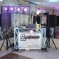 Estrutura com som,iluminação balada, dj e máquina de fumaça