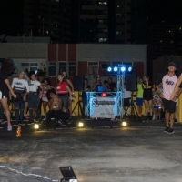 Todo mundo dançando junto com a SL Produções e Eventos