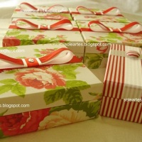 Caixa para 4 bem casados em dobradiça com 4 divisórias