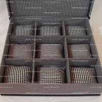 Caixa para 9 relógios com almofadinhas