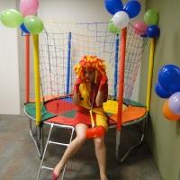 Cama elástica para entretenimento da criançada!!!