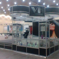 Stand decorado de 36.00m² da VH Cosméticos no 23º Encontro Regional da Beleza de 13 a 15/10/2013 no