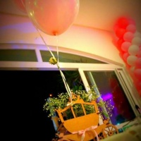 Carruagem com balão, linda opção para centro de mesa!