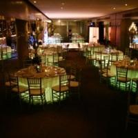 Mesa de Convidados Iluminada