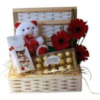 Caixa Chocolate Rocher R$149,50 01 Pelucia 01 Vinho 750ml 01 Caixa Ferrero Rocher 15unid Flores
