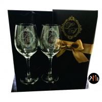 Kit taças para vinho personalizadas com embalagem para presente em cartonaria, cetim interno e laço