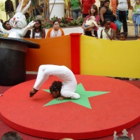 show de circo, contorcionista