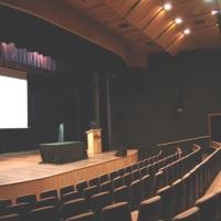 Vista lateral do palco