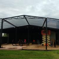Tenda Interative medindo 180 m² e 4,5 m de altura
