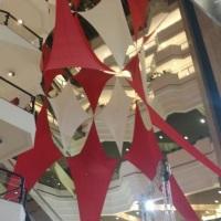 Tensoescultura de 35m altura novão central do Shopping Beiramar Florianópolis.
