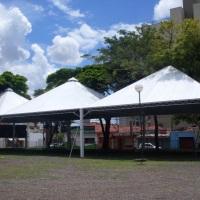 Tenda acoplada 10x10 m²