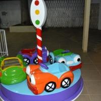 Carrosel Fusquinha Para crianças de 1 a 5 anos Medidas:  - 2m altura  - 2m largura  Brinquedo t