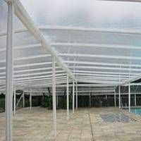 toldo na piscina reveillon
