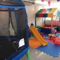 Aluguel de brinquedos (cama elastica, piscina de bolas, totó, air game, basquete eletrônica, inflave