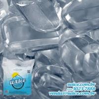 Gelo Premium em cubos