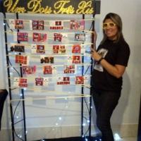 Mural do Serviço Paparazzo onde as fotos são expostas para os convidados retirar
