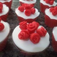 Cupcakes - Rosas de Pasta Americana.