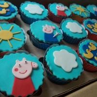 Cupcakes - Peppa e Família.