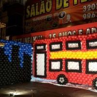 Festa de Londres - 15 anos com Balões ônibus de Londres de Balão; Torre do Big Ben de Balões;