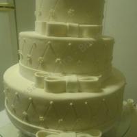 Bolo de casamento disponível para aluguel