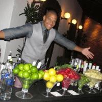 Lindo open bar de luxo da cor preta presente em casamentos no Garden Party.