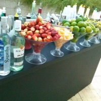 Open Bar lindo preto com frutas frescas, selecionadas e de qualidade. Pois trabalhamos com produtos