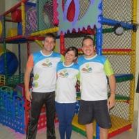 Equipe de Recreação, com diversas brincadeiras, pintura, discoteca