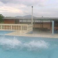 Nada como uma boa piscina para relaxar com sua família !!!
