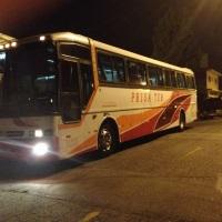Ônibus convencional 46 lugares.